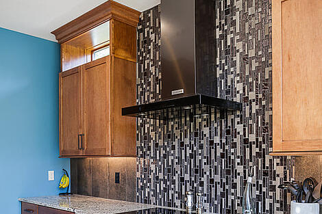 Award Winning Kitchen Cabinet Design by Compelling Homes in Des Moines